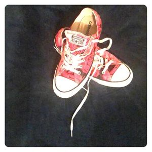 Rose low top converse